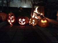Kiss-o-lanterns